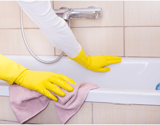 Removing That Ring: The Proper Way to Clean a Bathtub