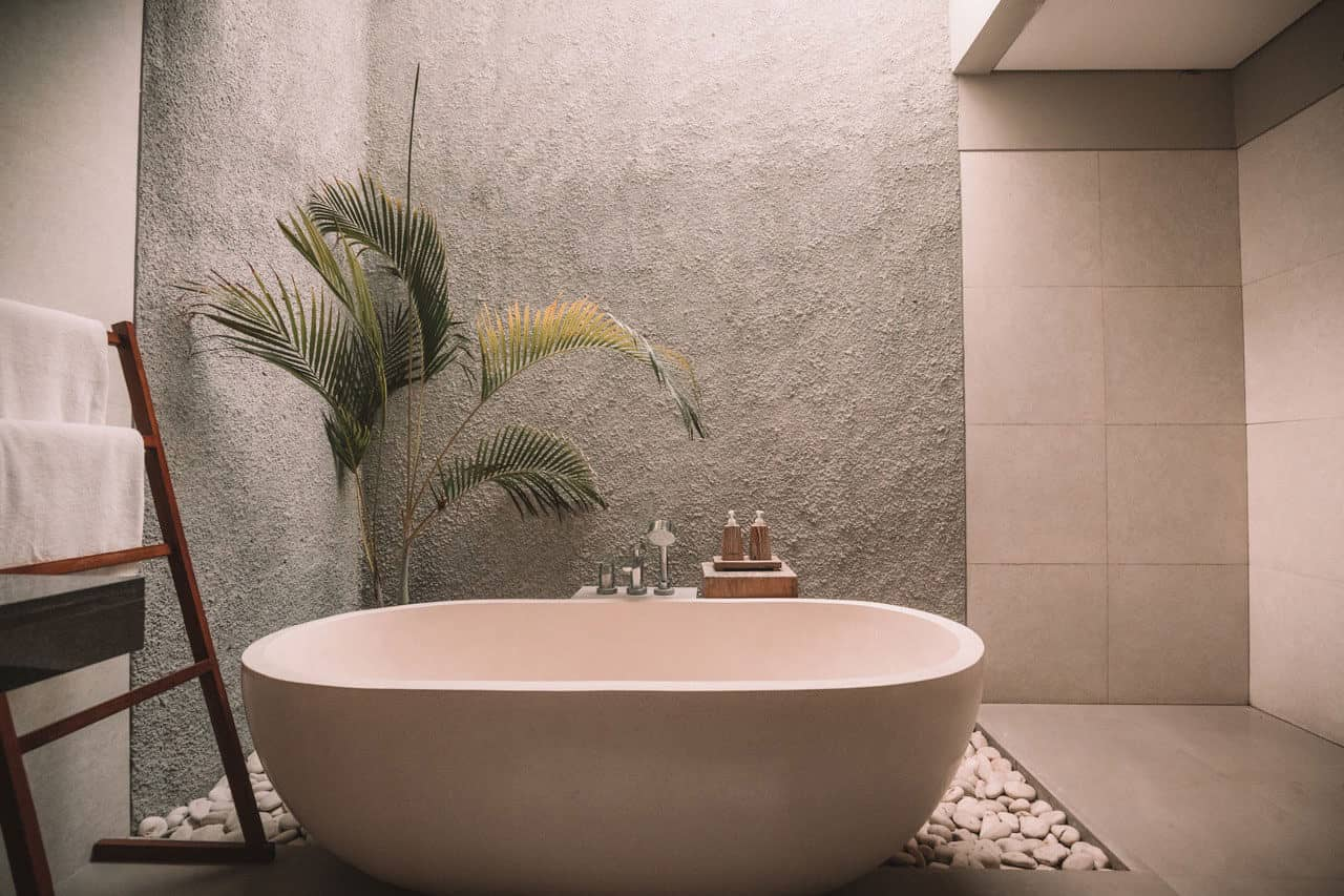 make your bathroom look clean and spacious