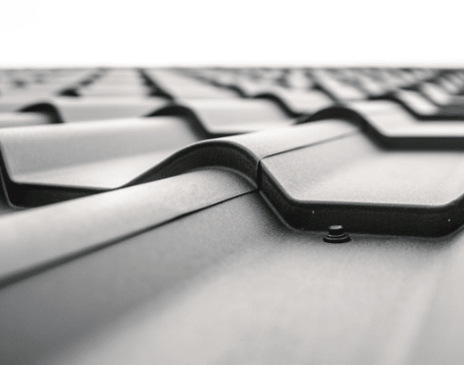 6 Signs You Should Call a Professional Roofer