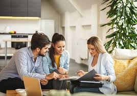 Types of Realtors and What to Expect From Them